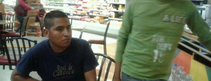 Alsuper Store is one of Posti che sono piaciuti a Armando.