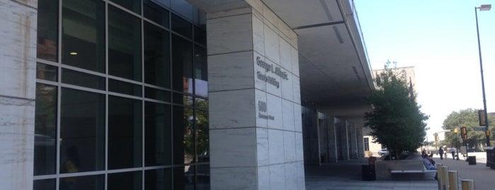 George L. Allen Sr. Courts Building is one of Lugares favoritos de Chris.