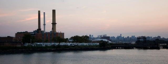 Riker's Island is one of Bill: сохраненные места.