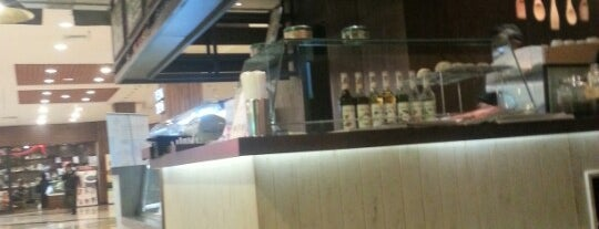 Regal Coffee is one of indo cafe•restaurant.