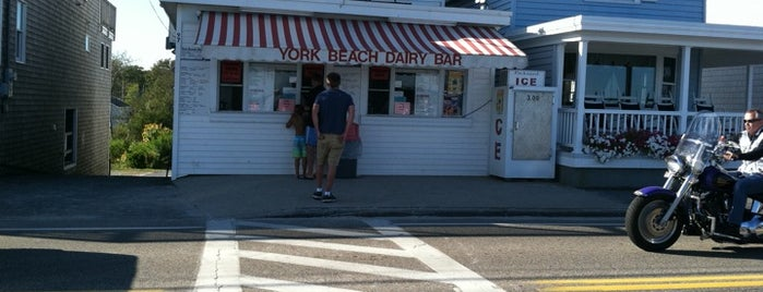 York Beach Dairy Bar is one of Orte, die Chrissy gefallen.