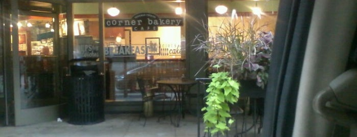 Corner Bakery Cafe is one of Lugares favoritos de Triston.