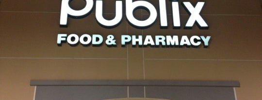 Publix is one of Locais curtidos por Ojoe.