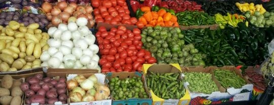 Atlanta State Farmers Market is one of Locais curtidos por Donna.