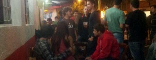 Bar Vittória  (do Ed) is one of สถานที่ที่ Sandra ถูกใจ.