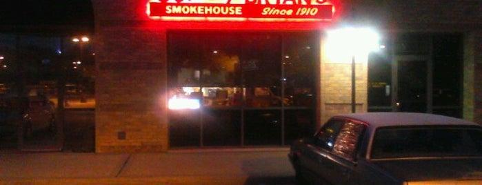 Sonny Bryan's Smokehouse is one of Lugares favoritos de Albert.