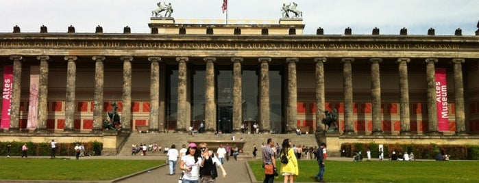 Altes Museum is one of Let's go to Berlin!.