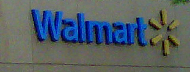 Walmart is one of Tedさんのお気に入りスポット.