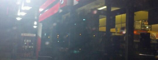 Circle K is one of Tempat yang Disukai Ross.