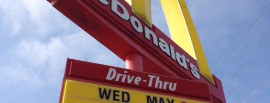 McDonald's is one of Locais curtidos por Bella.