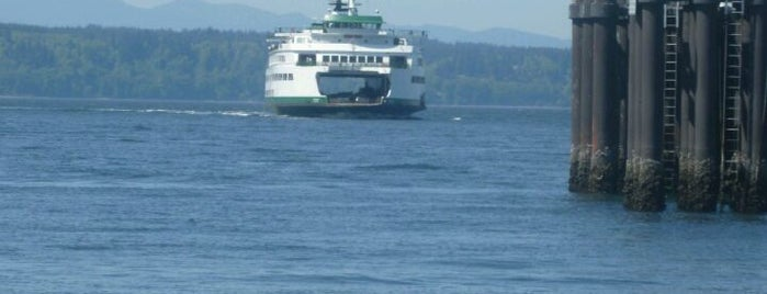 Edmonds Ferry Terminal is one of Orte, die Brian gefallen.
