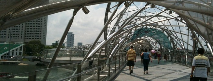 The Helix Bridge is one of Singapore/シンガポール.