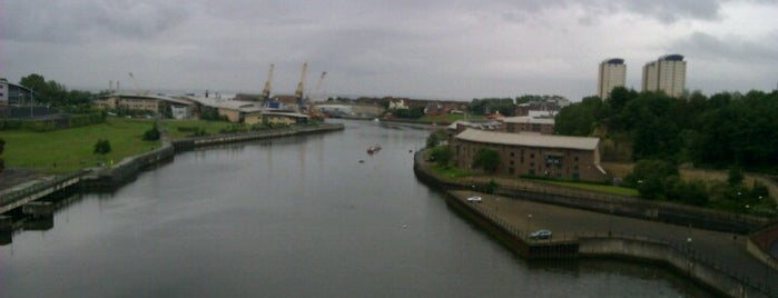 St. Peter's Metro Station is one of Lieux qui ont plu à Carl.