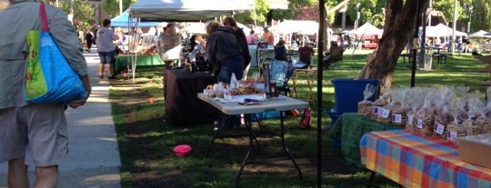 East Town Farmer's Market is one of Suzzetteさんのお気に入りスポット.
