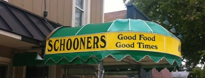 Schooners is one of Lugares favoritos de Kate.