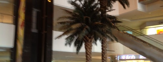 Othaim Mall is one of Where, When & Who List-1!.