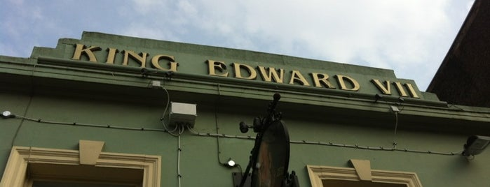 The King Edward VII is one of Sunday lunch in London.