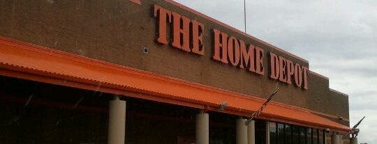 The Home Depot is one of Locais curtidos por Karen.