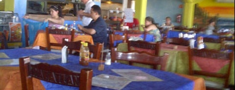 Mariscos Mazatlan is one of Locais curtidos por Jose.
