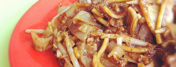 Outram Park Fried Kway Teow Mee is one of Michelin Guide Bib Gourmand 2018.