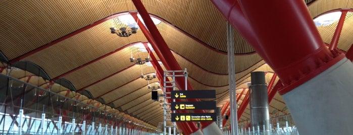 Аэропорт Мадрид-Барахас им. Адольфо Суареса (MAD) is one of Fabio : понравившиеся места.
