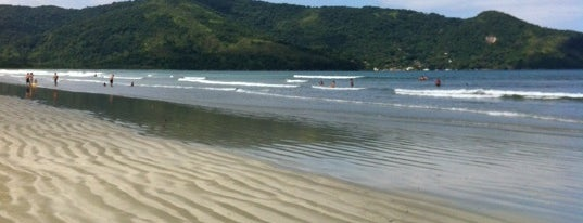 Praia da Fazenda is one of Tatianaさんの保存済みスポット.