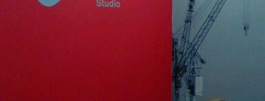 Oporto Studio is one of Espaços de Coworking.