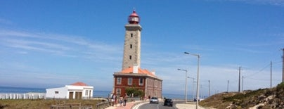 Farol do Penedo da Saudade is one of Faros.