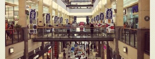 Ha-Gadol Mall / קניון הגדול is one of Locais curtidos por MaMa Roma.