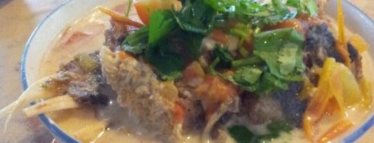 Fatt Kee Seafood Restaurant 發記魚雜 is one of Kota Kinabalu.