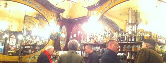 Le Cyrano is one of Bars cools !.