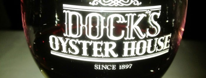 Dock's Oyster House is one of Lugares guardados de Collette.
