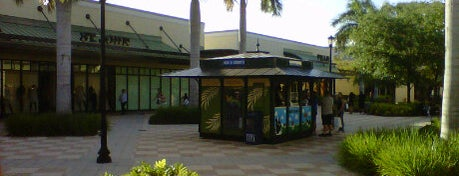 The Colonnade Outlets is one of Lynnes list.