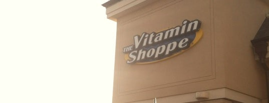 Vitamin Shoppe is one of Lugares favoritos de Fred.