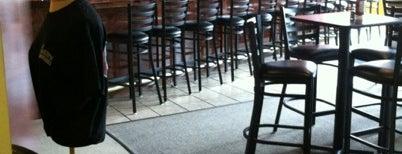 Charlie's Pizzeria Bar & Grill is one of Erin: сохраненные места.