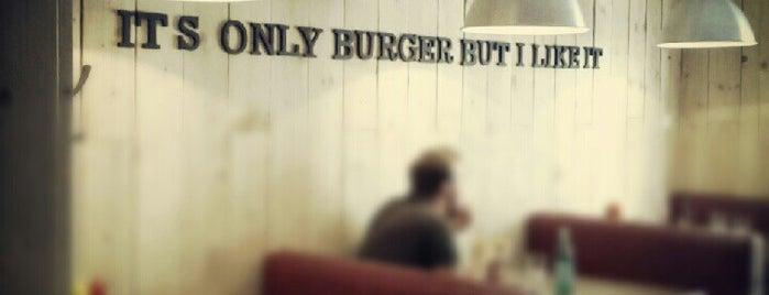 Burger'n'Co is one of Gabriela 님이 저장한 장소.