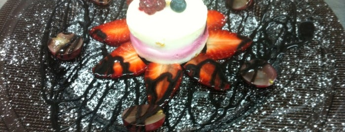 Cafe Parisienne is one of Food.