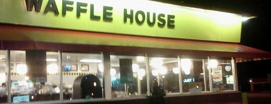 Waffle House is one of Lugares favoritos de Kawika.