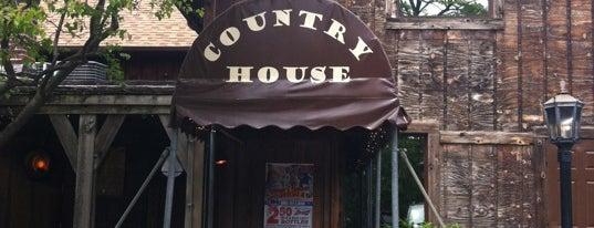Country House is one of Locais curtidos por TJ.