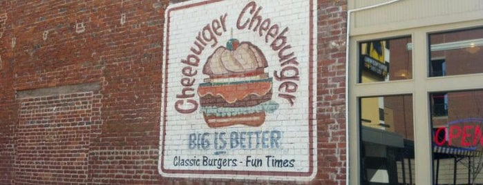Cheeburger Cheeburger is one of Tempat yang Disukai Chris.