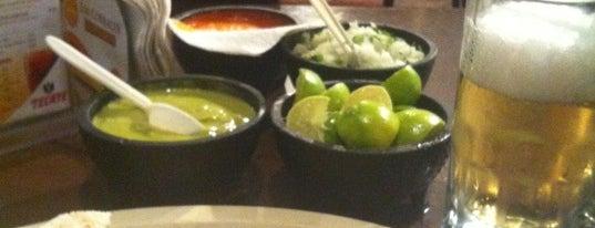 Los Corrales Tacos & Cortes is one of Locais curtidos por Bob.