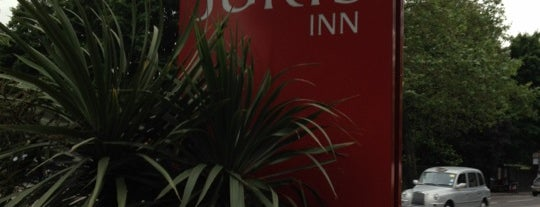 Jurys Inn London Islington is one of Places With Mostly Bad Reviews.