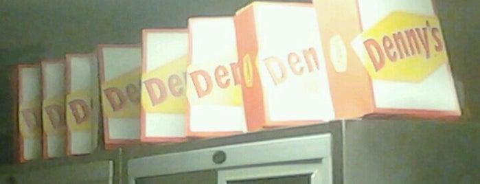 Denny's is one of Lieux qui ont plu à Stan.