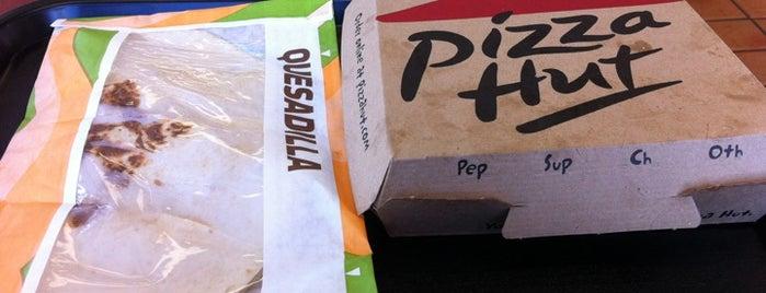 Taco Bell / Pizza Hut is one of Lugares favoritos de Mimi.