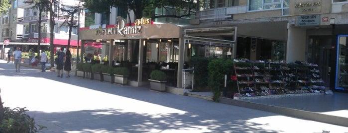 Köfteci Ramiz is one of Locais curtidos por Orhan.