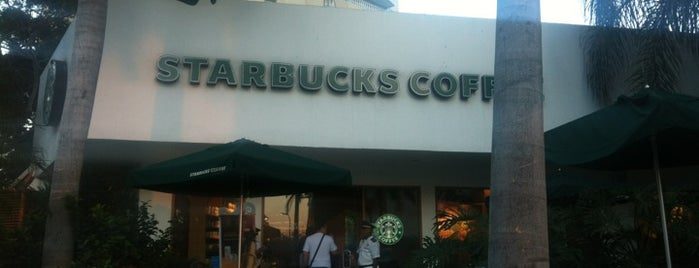 Starbucks is one of Locais curtidos por Panna.