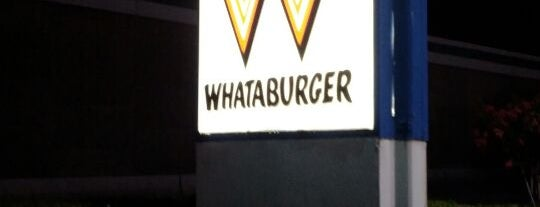 Whataburger is one of Gespeicherte Orte von rodney.