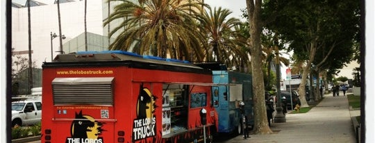 Miracle Mile Food Trucks is one of Placestoeat.