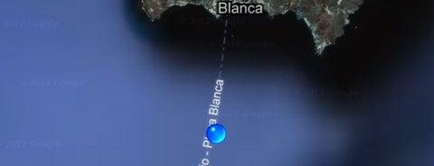 Entre Lanzarote y Fuerteventura is one of Joud's Liked Places.
