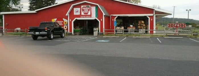 Virginia Farm Market is one of Tempat yang Disukai Ashley.